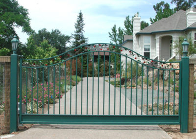 Bell Curve Top Driveway Gates