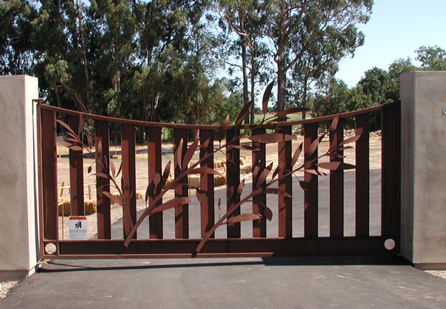 Concave Top Driveway Gates | Custom Wrought Iron